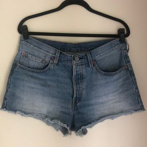 Levi's 501 high rise button fly shorts SZ 30